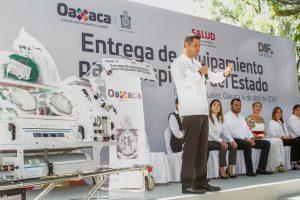 Entrega Alejandro Murat equipo médico a hospitales por más de 30.7 mdp