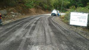 Realiza CAO y municipio de Capulálpam de Méndez labores de bacheo