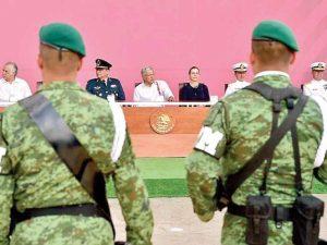 Militares y marinos cuidarán al Ejecutivo; extinción oficial del Estado Mayor Presidencial