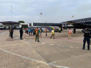 Retorna México a otras 105 personas de origen hondureño