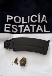 Detenido conductor de camioneta blindada, llevaba un cargador de arma de fuego y residuos de marihuana