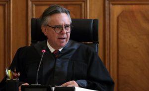 Medina Mora acusa calumnia con información «falsa y dolosa» tras versión de transferencia millonaria