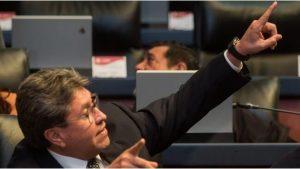 Ricardo Monreal llama arrogante a Carlos Urzúa tras renuncia