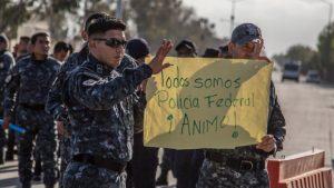 Policías federales denuncian actos de intimidación de militares