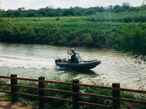 Buscan a niña migrante desparecida en el río Bravo