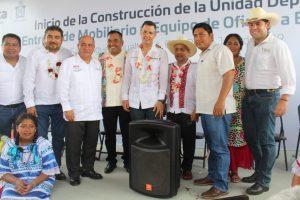 Cumple gobierno de AMH con Soyaltepec en educación y deporte