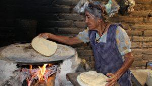 Mujeres indígenas marginadas en zonas rurales: el sector más vulnerable del país