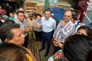 Oswaldo García llama a realizar compras en el Mercado de Abasto para Día de Muertos